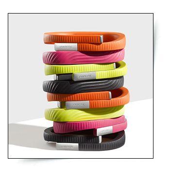 Coach virtuel Jawbone http://www.vogue.fr/beaute/buzz-du-jour/diaporama/coach-minceur-le-bracelet-jawbone-up24/18985
