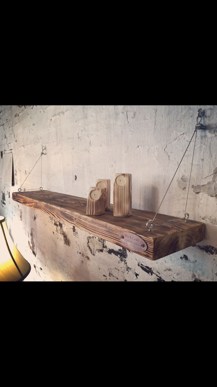 Hylde i brændte planker fra et 50 år gammelt stillads .   Besøg Facebook Råt&Godt eller værkstedet på Hjulmagervej 58, 9000 Aalborg