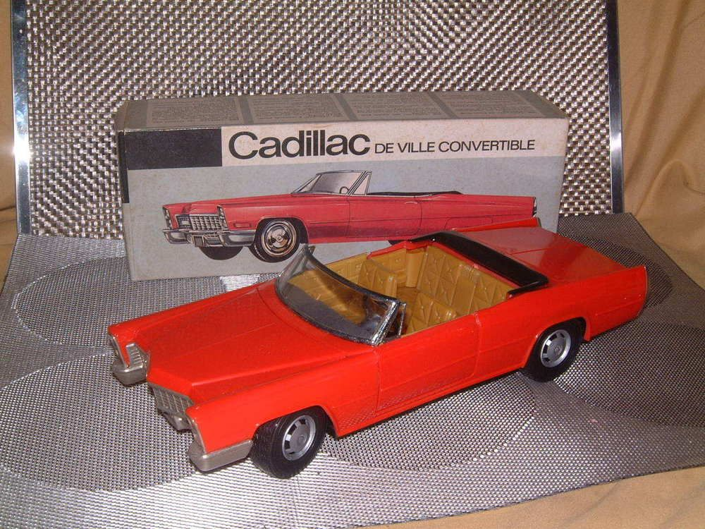 rare schuco cadillac de ville 5505 in red b/o perfectly working