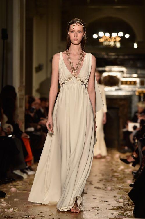 521c776de0b Les plus belles robes de mariée Valentino haute couture