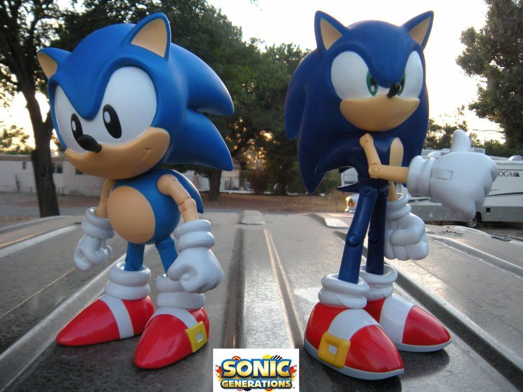 Modern Sonic And Classic Sonic By Pokepicturefigurefun On Deviantart Classic Sonic Sonic Sonic The Hedgehog