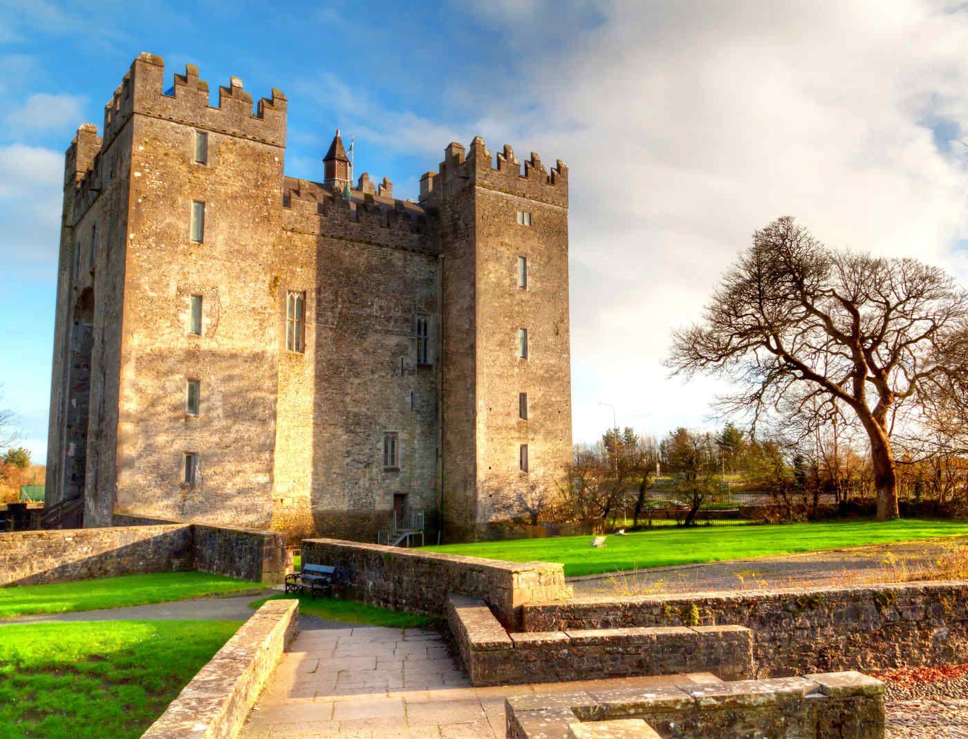 Bunratty Castle Castles in ireland, Ireland vacation