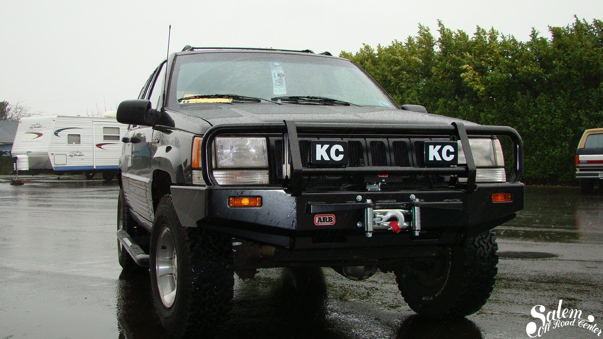 On This Jeep Zj We Installed A Arb Bumper Warn Vr8000 Winch And Kc Hilites 57 Series Lights Jeep Zj Jeep Jeepster