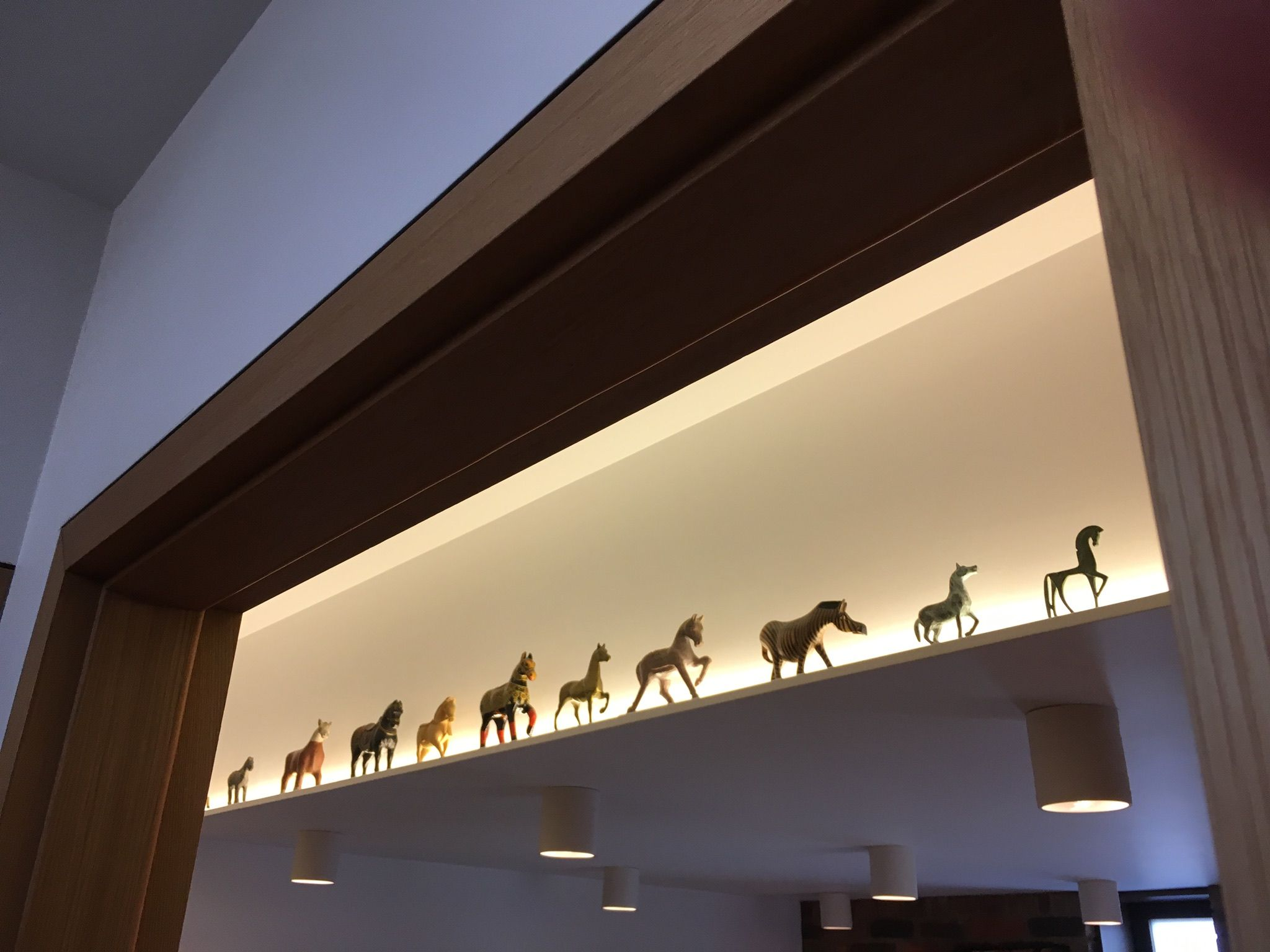 Uplight Suspended Ceiling With Leds Provides Display Space