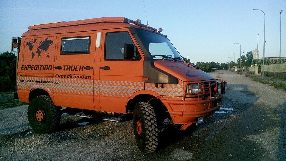 iveco daily 4x4 iveco furgoneta camper furgoneta und. Black Bedroom Furniture Sets. Home Design Ideas