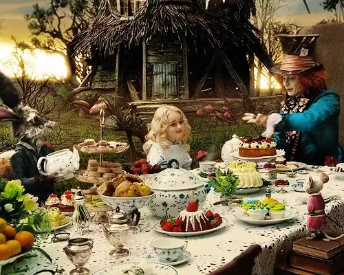Alice In Wonderland Cakes For Your Mad Hatter S Tea Party In 2020