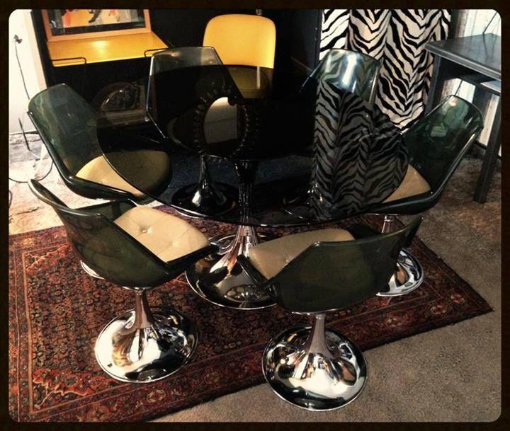 Reserve Table Et 6 Chaises 70 S Hods Design Antiques Chaise Vintage Design Decoration Industrielle