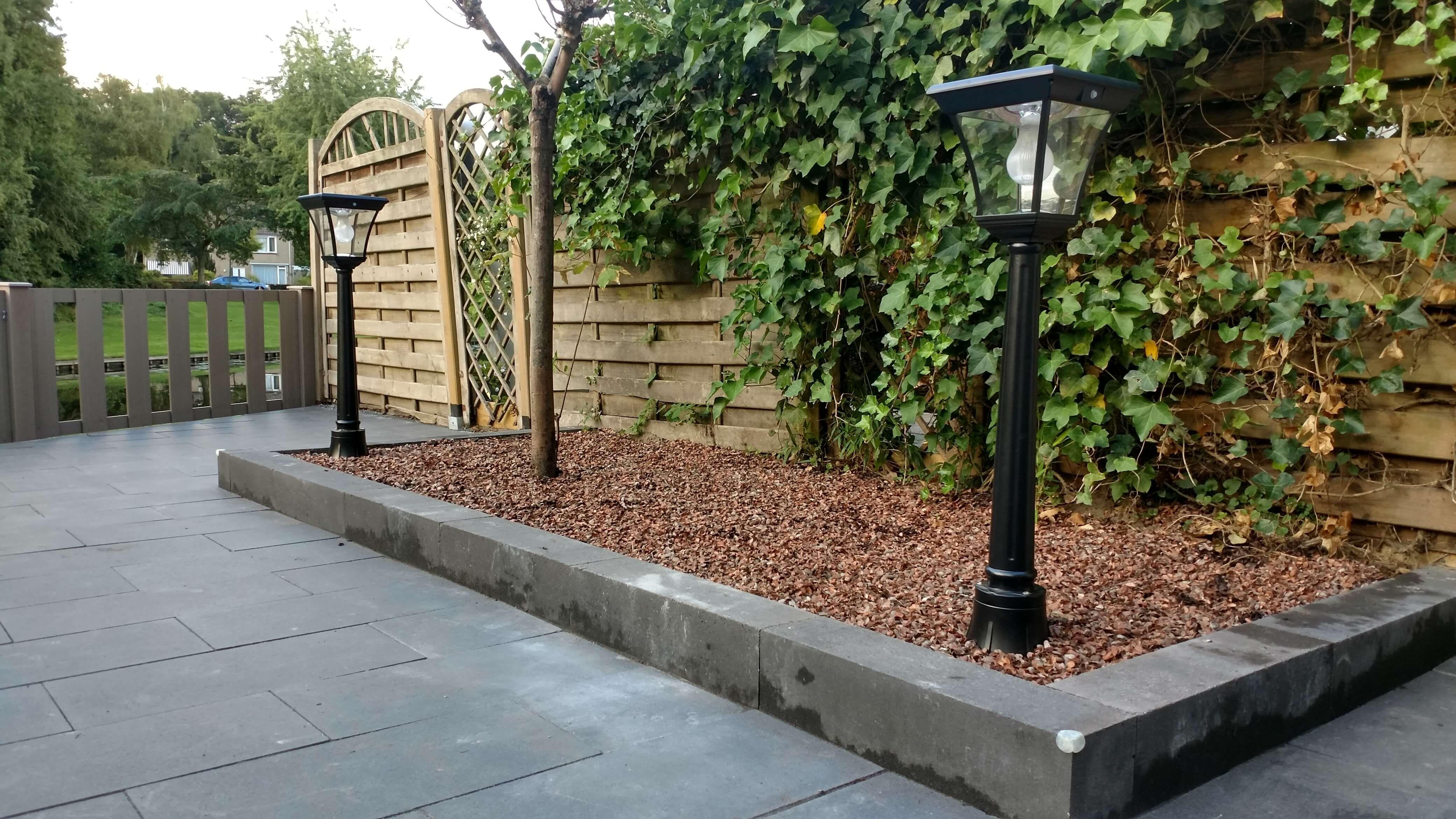 Dag Licht Lamp : Staande lamp london in tuin bij daglicht solar tuinverlichting