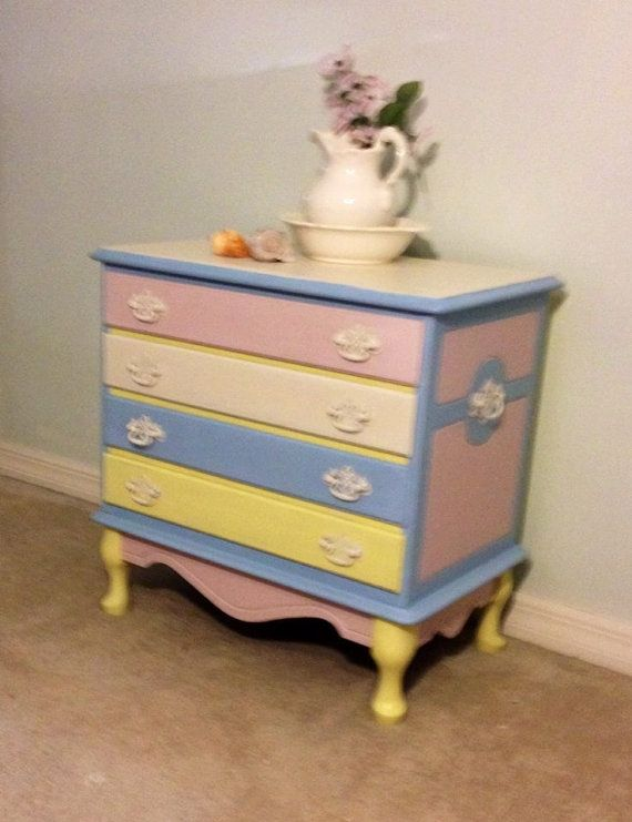 SOLD!!!!!  Adorable Small Dresser Nightstand * Excellent Condition * Beachy Cottage or Baby