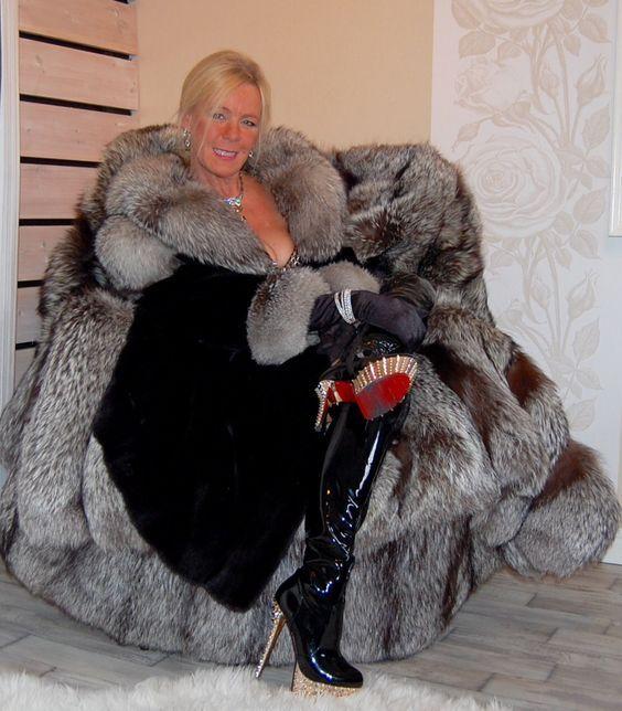 Super Swedish Fur Goddess Milf In 2019 Fox Fur Coat