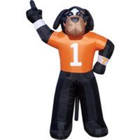 Tennessee Volunteers ...Can't have a tailgating party w/out Smokey! #fanatics #UltimateTailgate
