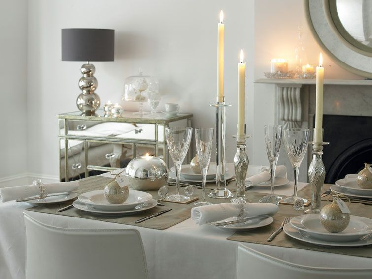 White And Silver Christmas Table The White Company Christmas Interiors Christmas Table Settings Christmas Centerpieces