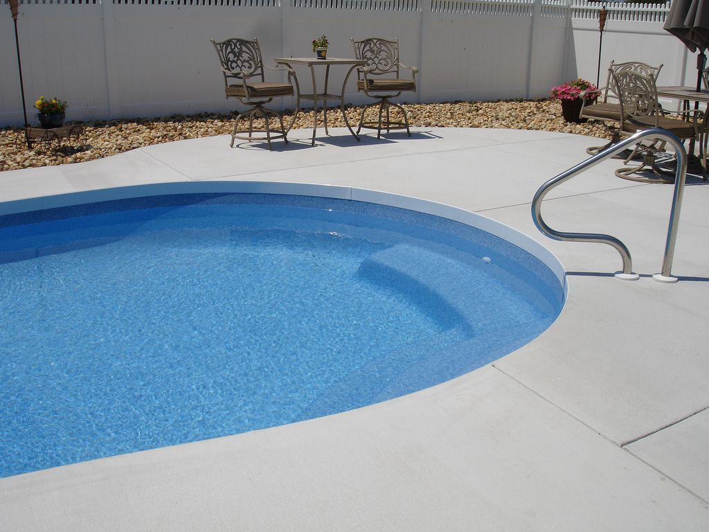 Cantilever Style Pool Deck Without The Hassle Pool Patio Swimming Pool Designs Backyard Pool