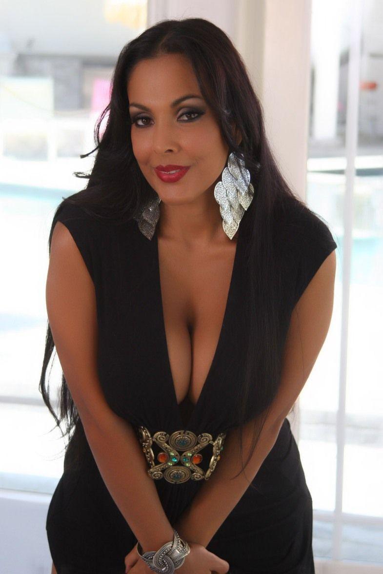 Nina Mercedez Nude Photos 23