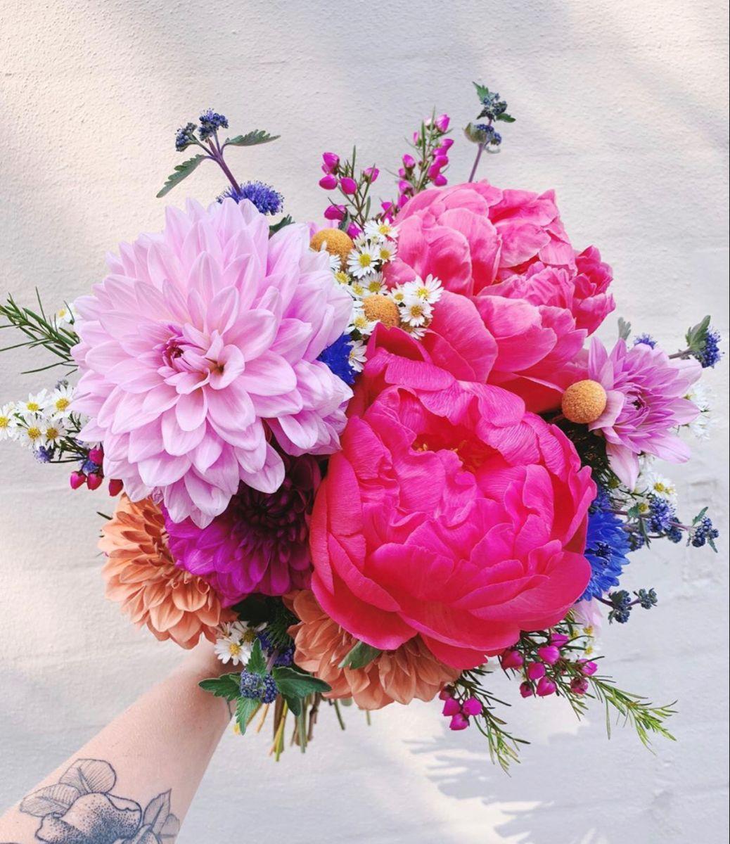 Peony Bouquet In 2020 Wedding Flowers Peonies Flower Arrangements Diy Centerpieces Wedding Flowers