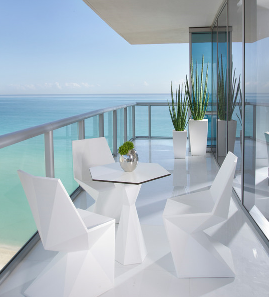 Modern outdoor furniture available at http://www.robert-thomson.com/outdoor-furniture/