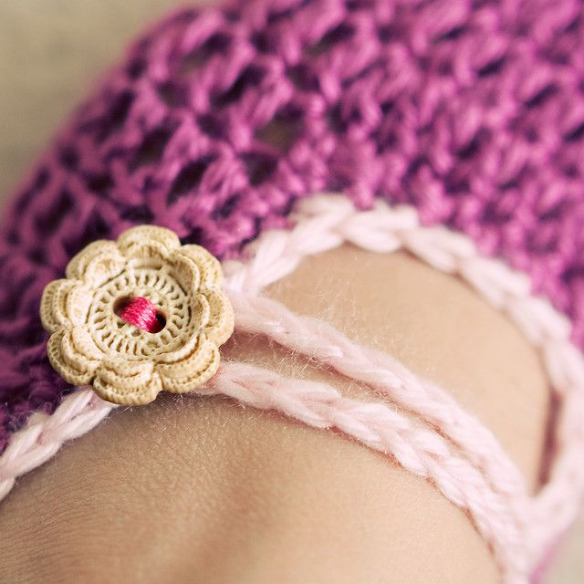 354318322fd crochet slippers tutorial   ooo yes! Lovely. Will have to make these this  year!