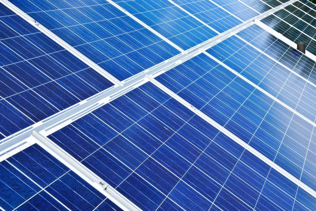 Government FeedIn Tariff Scheme v's Free Solar Panels