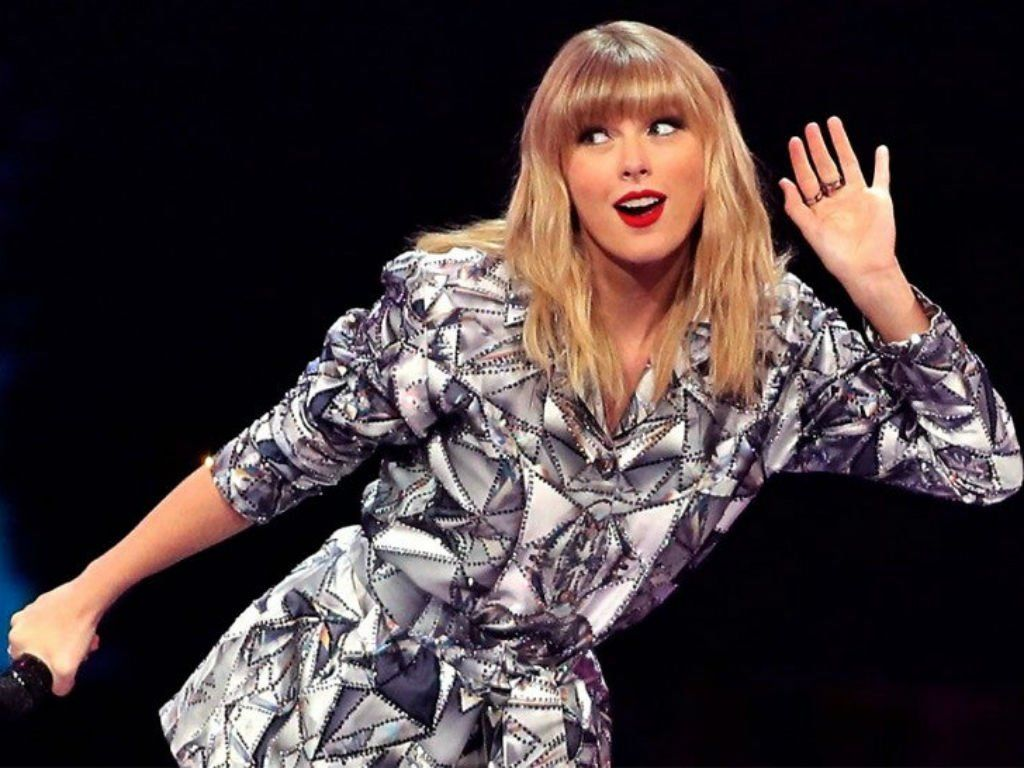 Taylor Swift Announces New Christmas Song And Video Are