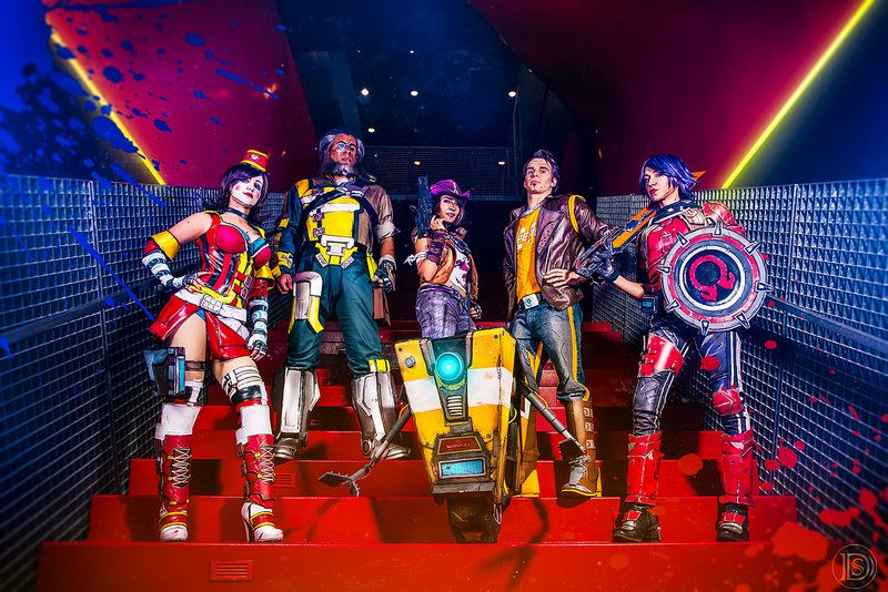 Borderlands The Pre-Sequel | Black & Nobo Cosplay as Claptrap, Pippi and Ix as Athena, Stupid Sexy Robot as Wilhelm, Sam Skyler as Nisha, Cnidarium Moon Moxxi, Ryan Cryptic as Handsome Jack