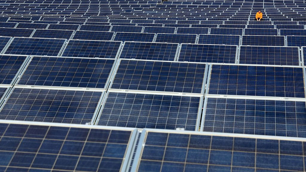 Here's Why Solar Farms Are Booming in the U.S. Solar