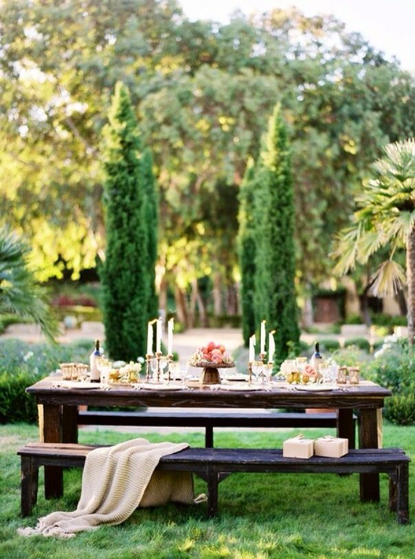 Outdoor brunch romantic decor ideas pinterest for Outdoor brunch decorating ideas