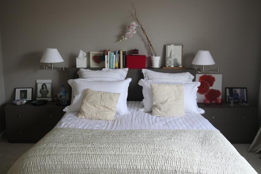 Déco chambre romantique moderne // http://www.deco.fr/photo-deco ...