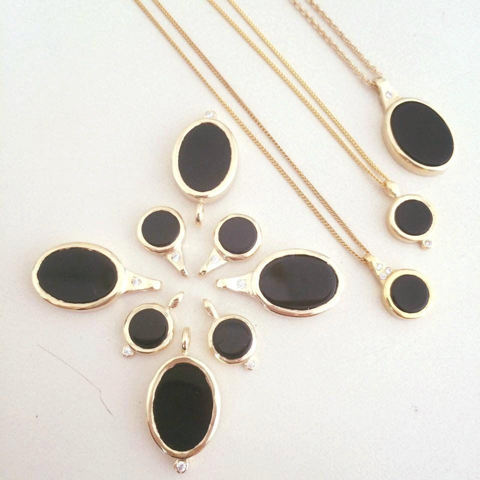 Nathis Beautiful Necklace with a Pendant of Black Onyx