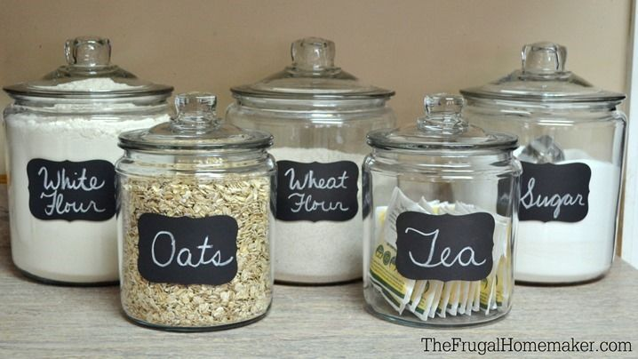 Chalkboard labels on glass jars glass food storage ideas for Kitchen jar ideas