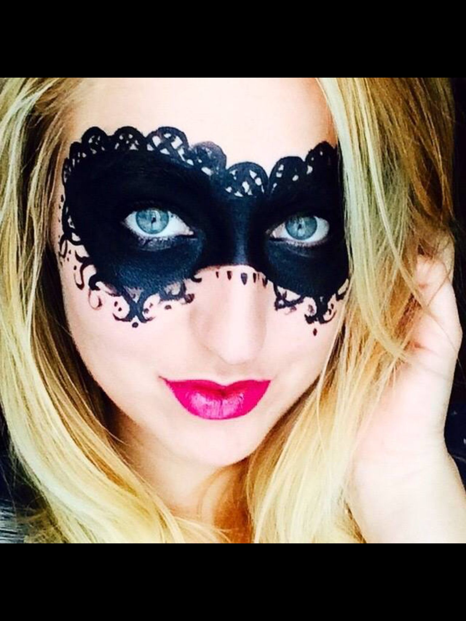 Get you Halloween on the Younique way! Younique pigment