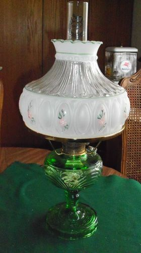 Vintage Washington Drape Green Aladdin Kerosine Oil Lamp Crystal