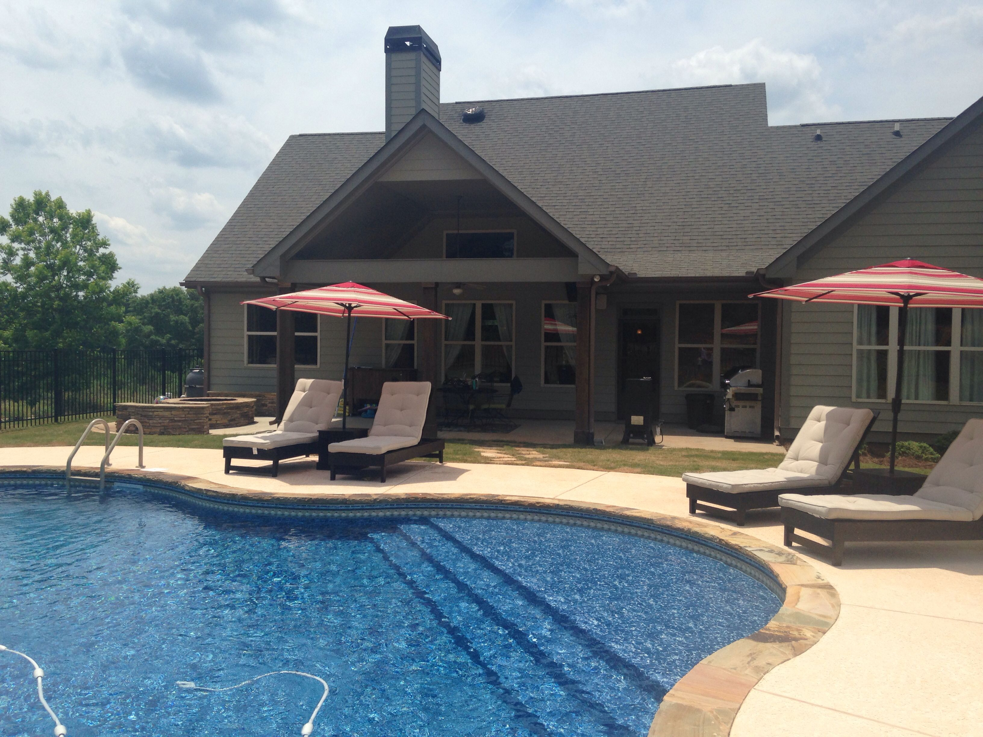Tanning ledge / splash pool :) | Splash pool, Backyard ...