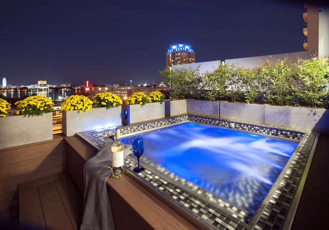 15 Incredible Rooftop Pool Design Ideas For Amazing Relaxation Place In 2020 Rooftop Pool Outdoor Pool