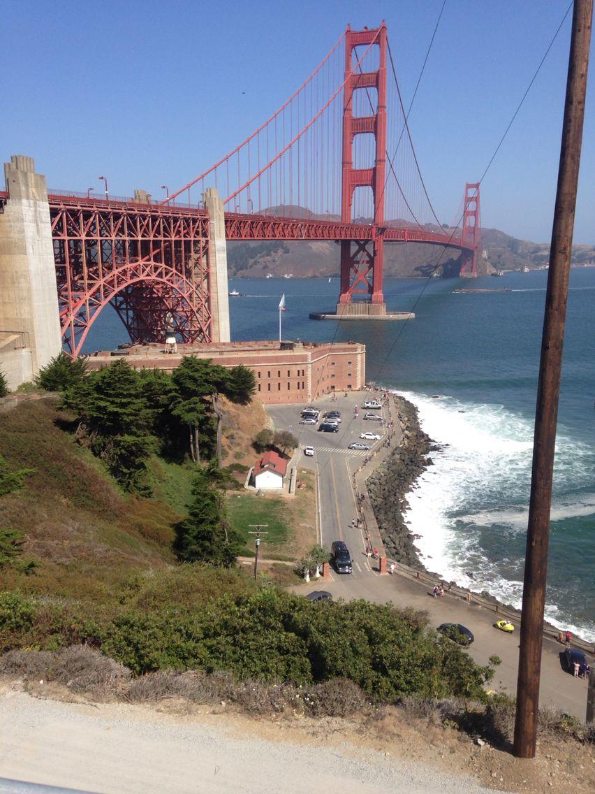 Passeio de bike pela Golden Gate Bridge! Muito lindo! Vale a pena alugar uma bike, tem em vários pontos da orla, eu aluguei perto da Marina. E vc anda umas 3 horas sem perceber!