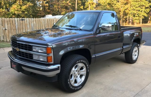 Supper Clean Z71 Step Side Chevy Trucks Classic Pickup Trucks Lifted Chevy Trucks