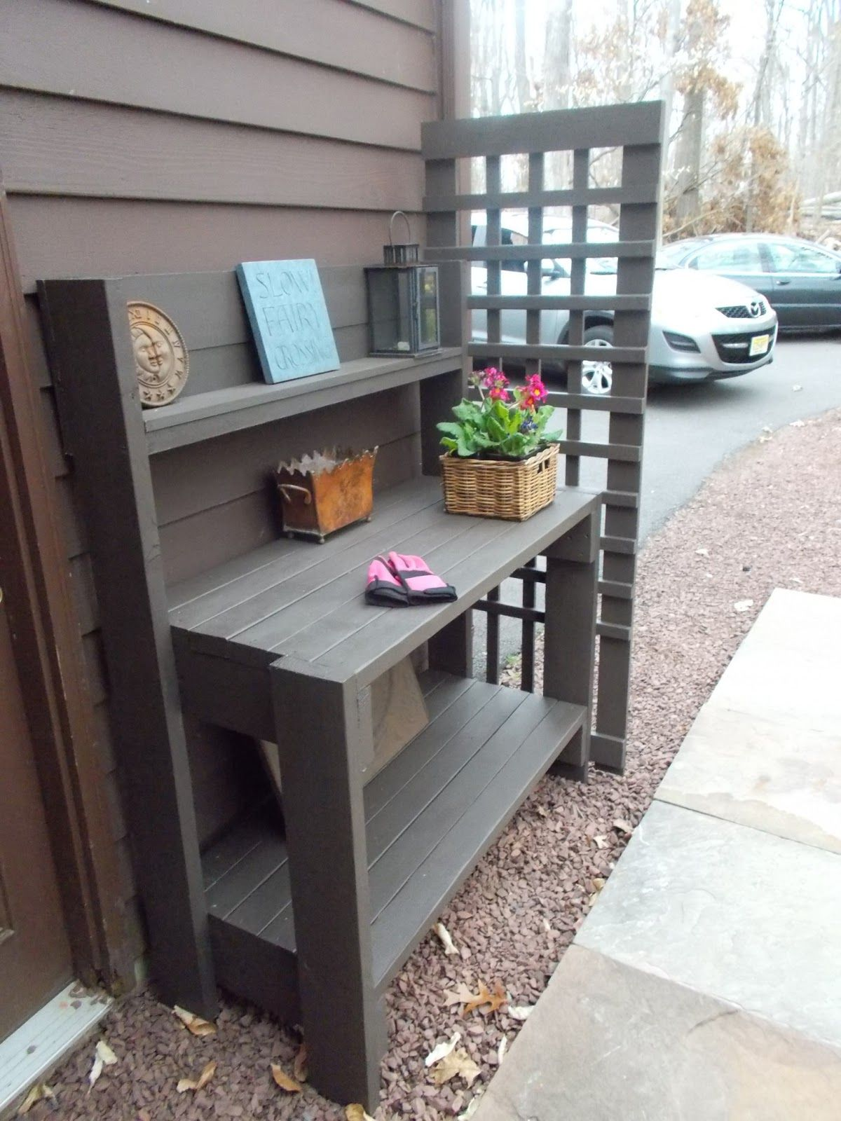 Potting Bench With Trellis Garden - Landscaping