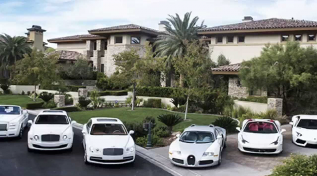 20 Outrageous Mansions Owned By Modern Sports Legends Billionaire Lifestyle Luxury Living Luxury Lifestyle Dreams Las Vegas Homes