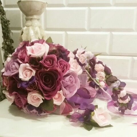 Günaydın  Gelin buketimiz  Gelin taci  Ve yaka çiçeği  İletişim için lütfen  Mesaj atiniz veya  05446866145 www.gelinbuketleri.com