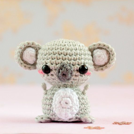 Häkeln Sie Koala Plüsch, Mini Amigurumi Koala, Mini Tiere Puppe, Kawaii Häkelanleitung ...  ...