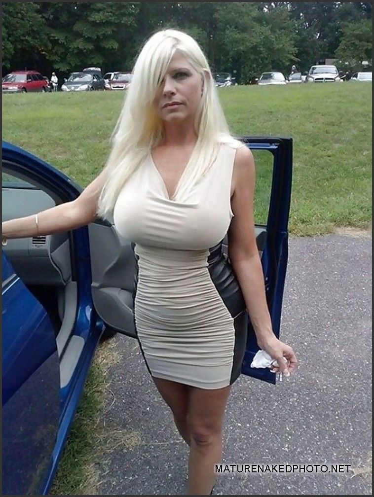 Nude boob in public adult picture 75