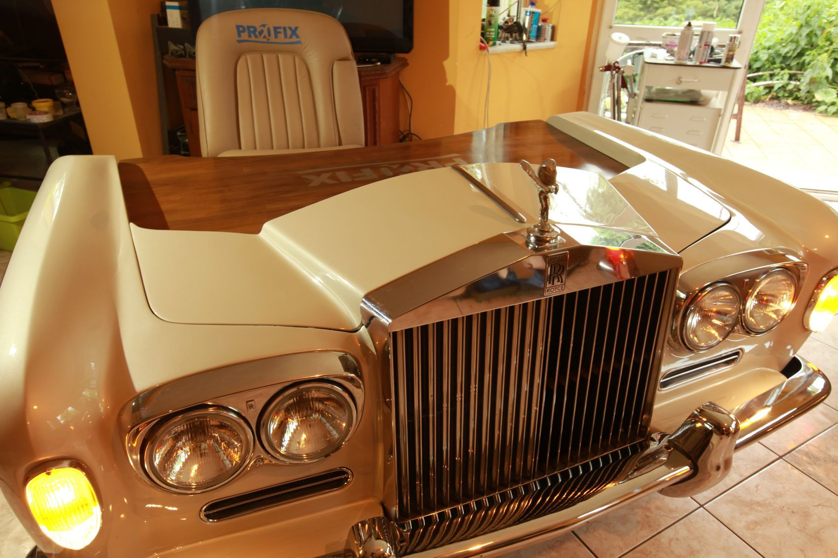 Car Desks Rolls Royce Sofa Couch Rolls Royce Desk Table Rolls Royce 1965