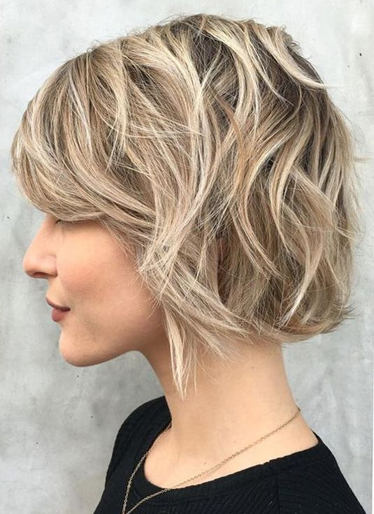 Gorgeous Choppy Layered Bob Thick Hair Are In Trends Nowadays Here Are Trendy Hairstyles For Bob Hair To F Short Hair Trends Short Wavy Hair Short Hair Styles