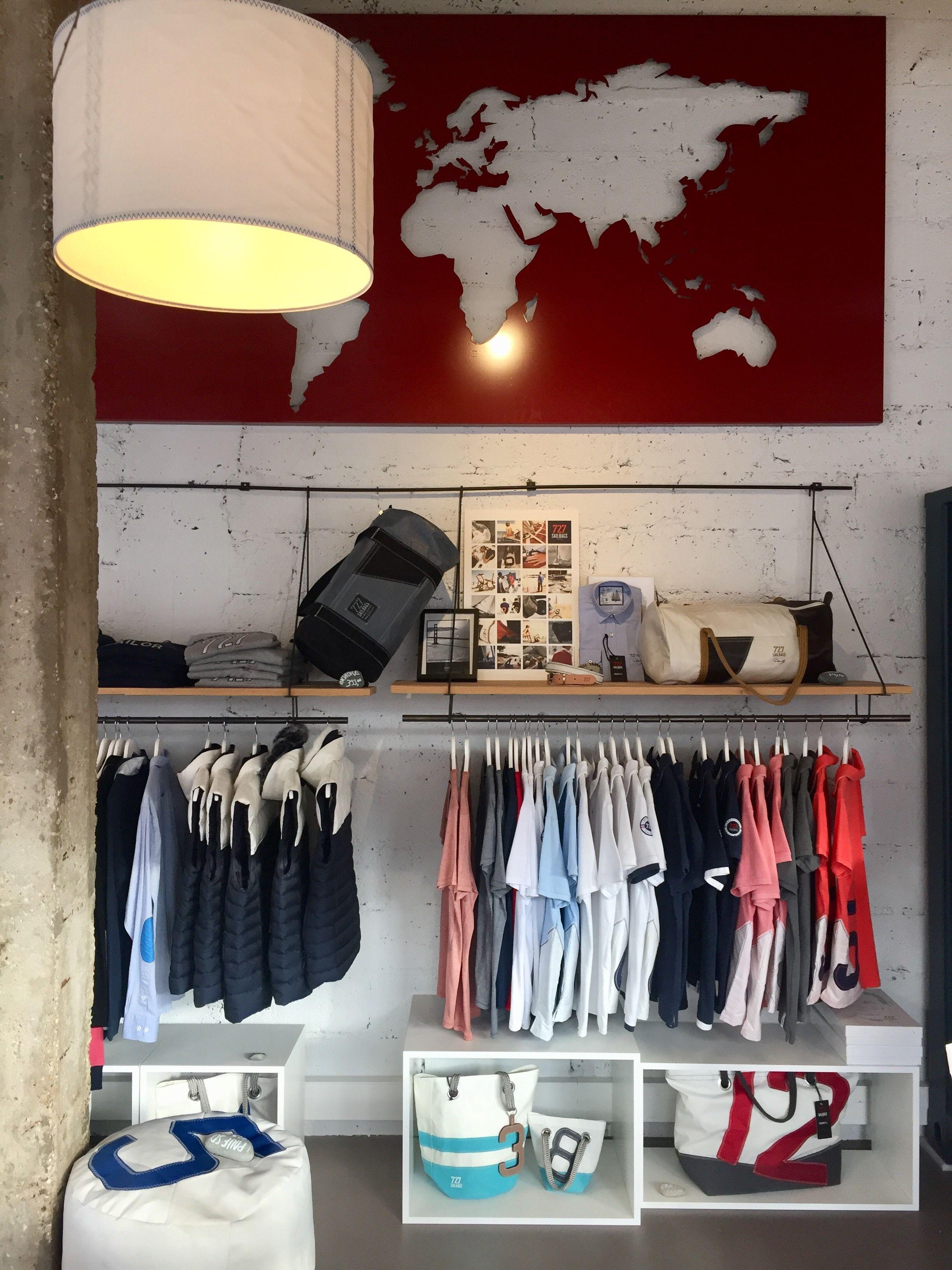 décoration et aménagement de la boutique 727sailbags de vannes
