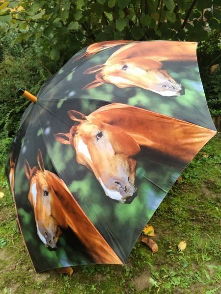 Lóimádók figyelem! A kedvenced már esernyőinken is megjelent. :D
