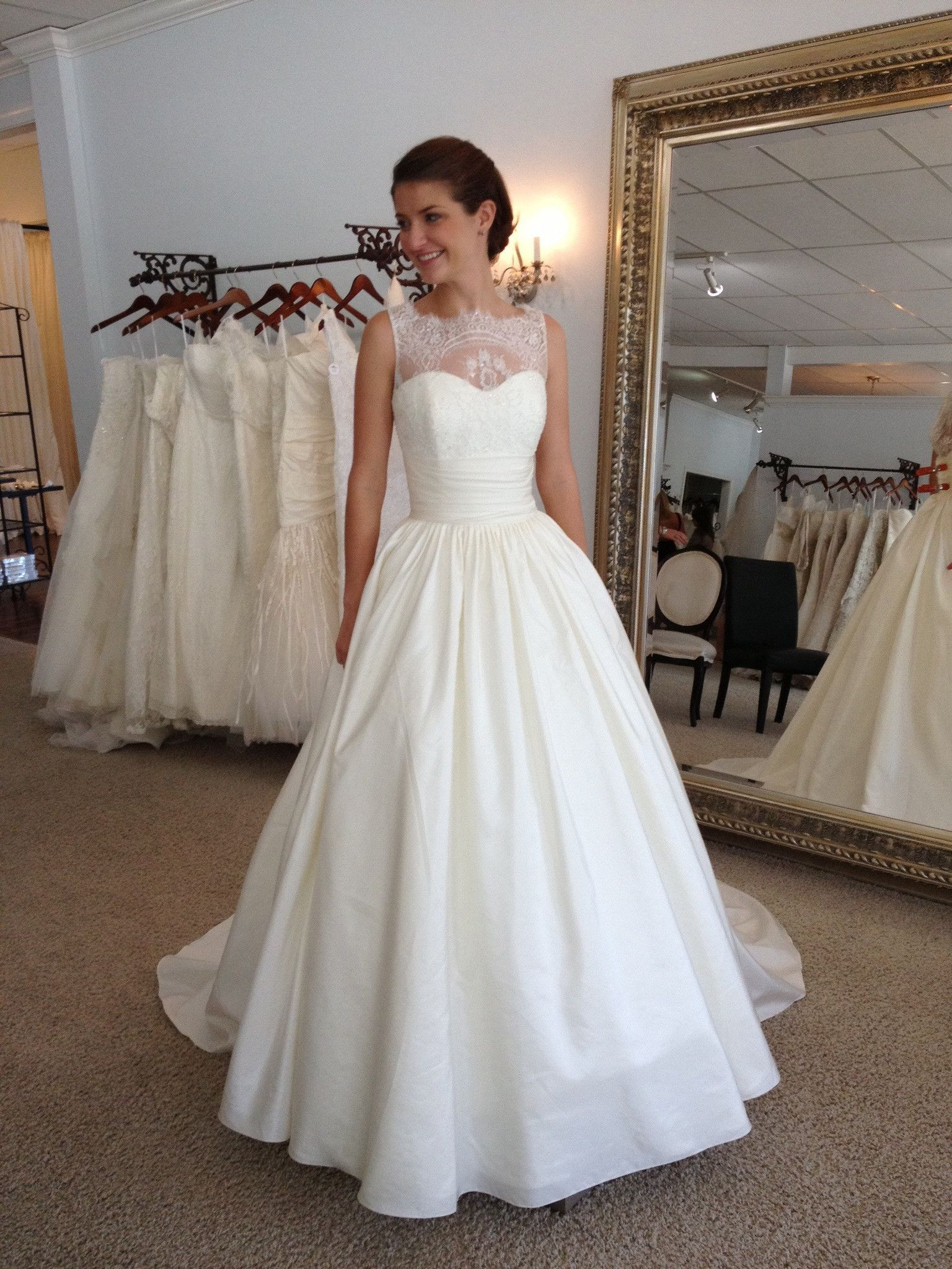 August Jones Paz New Wedding Dress Size 2