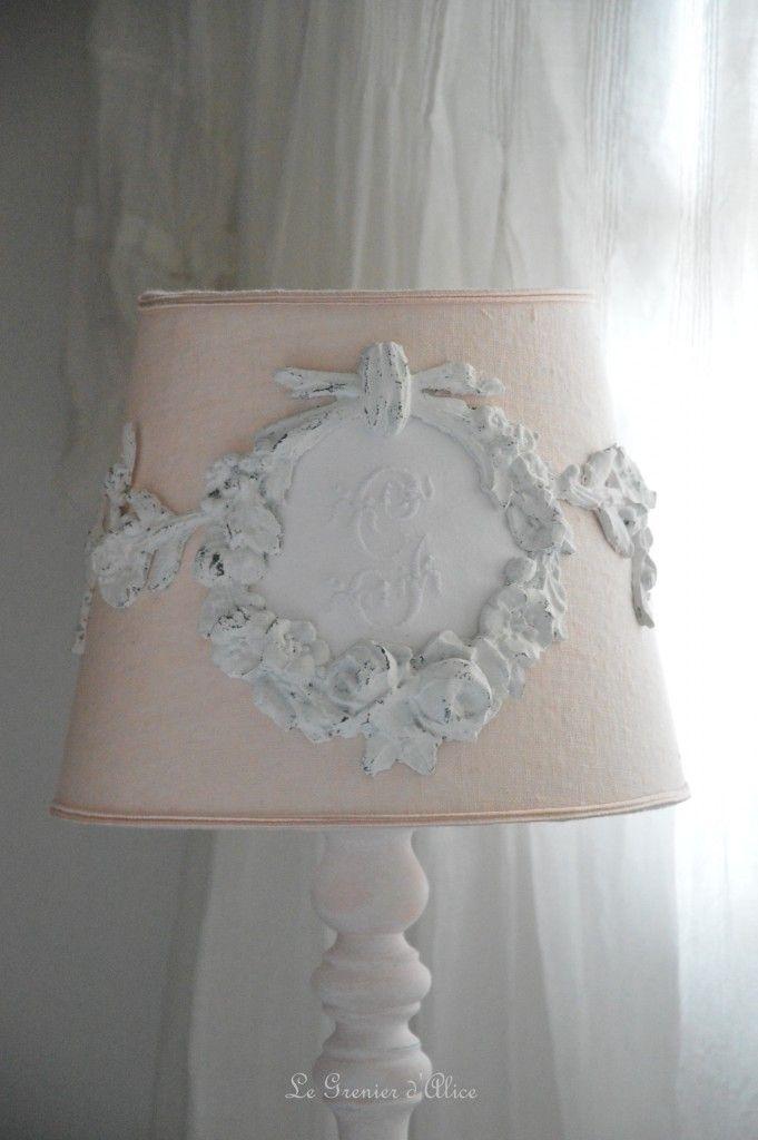 Abat jour romantique et shabby chic monogramme brodé abat jour rose ...