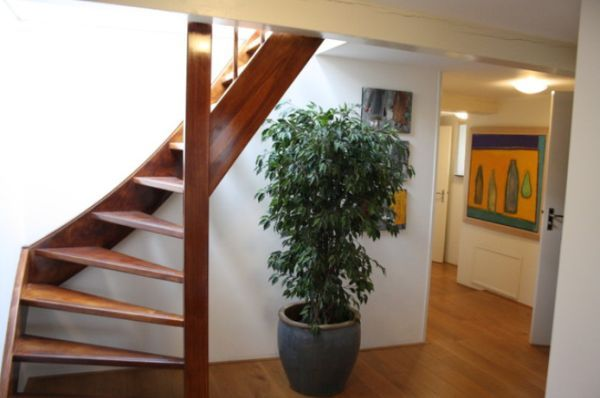 Elegant 10 Simple, Elegant And Diverse Wooden Staircase Design Ideas Gallery