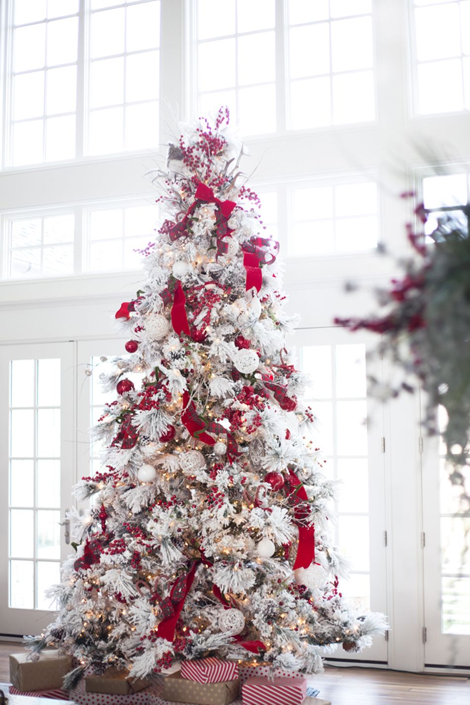 Design by Rach Parcell. A white Christmas tree can be modern ...