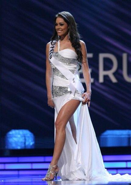 f787c6a18f3f0 Gown by LA CASA HERMOSA of Wellington for Miss Universe Peru Karen Schwarz