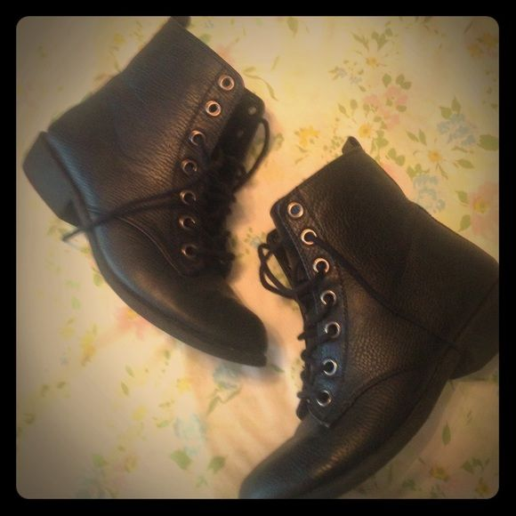 Little Black Boots 8 Really cute boots! Good condition! Size 8 Shoes Ankle Boots & Booties